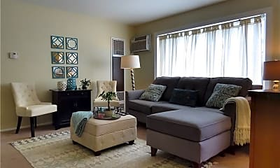 Living Room, 1675 Woodward Ave 6, 1