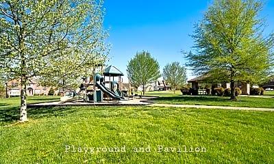 114 Parkland Circle, 2