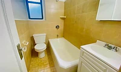 Bathroom, 4580 Broadway 2N, 2