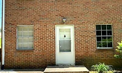 Building, 208 Pinecrest Dr, 0