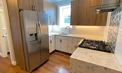 Kitchen, 24 Willowdale Ave 3, 0