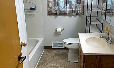 Bathroom, 1607 Greenwood Ave, 2