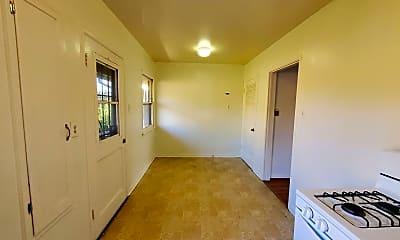 Living Room, 1032 W Glenoaks Blvd, 1