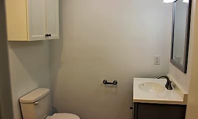 Bathroom, 509 E Mansfield St, 2