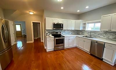 Kitchen, 2640 Findley Ave, 1