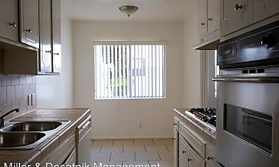 Kitchen, 3320 Keystone Av, 2