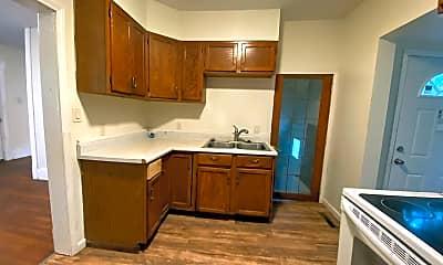 Kitchen, 405 Oneida St, 1