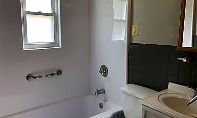 Bathroom, 362 Concord Ave, 2
