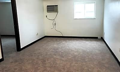 Living Room, 614 Main St, 1