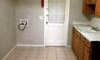 Kitchen, 939 Pembrook Dr, 1
