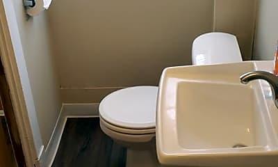 Bathroom, 957 W Grand Ave, 2