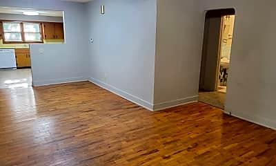 Living Room, 2338 N Weller Ave, 1