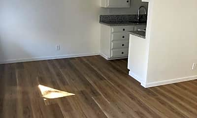 Kitchen, 1141 43rd Ave, 2