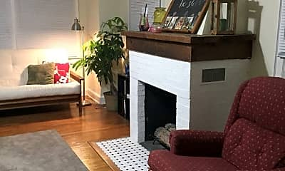 Living Room, 2048 Iuka Ave, 0
