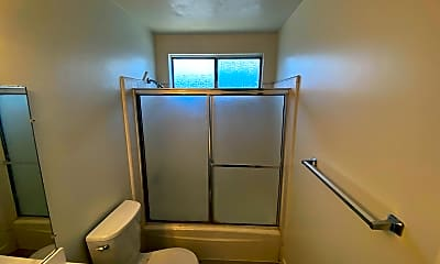 Bathroom, 3611 Mentone Ave, 2