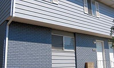 Building, 638 N 400 W, 0