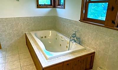 Bathroom, 2600 Ulysses St NE, 2