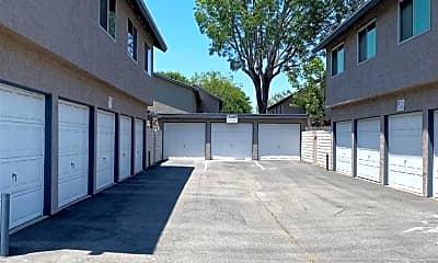 Building, 810 Silver Fir Rd, 1