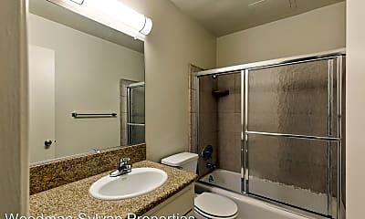 Bathroom, 13400 Burbank Blvd, 2