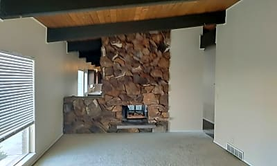 Living Room, 624 N 600 E, 1