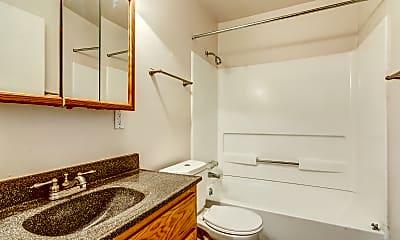 Bathroom, The Cedars, 2
