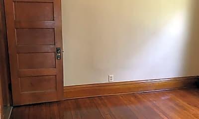 Bedroom, 881 Margaret St, 1