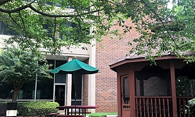 Lakewood Christian Manor, 2