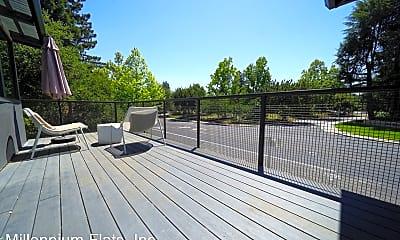Patio / Deck, 200 Waverley St, 2
