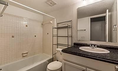 Bathroom, 900 E Wayne St #206, 2
