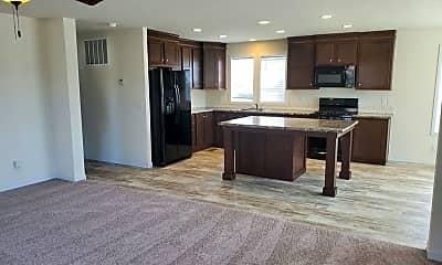Living Room, 5050 Augusta Blvd, 1