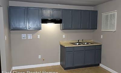 Kitchen, 1026 Matthews St, 2