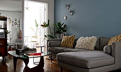 Living Room, 11033 Strathmore Dr, 0