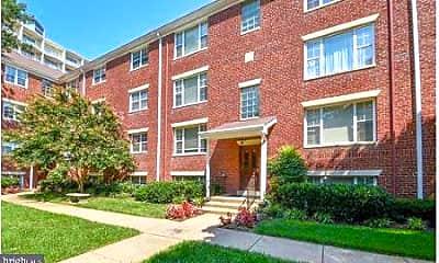 Building, 1302 N Meade St 18, 0
