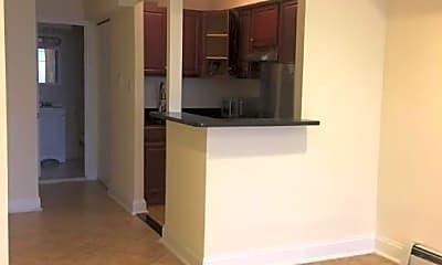 Kitchen, 333 E 81st St, 2
