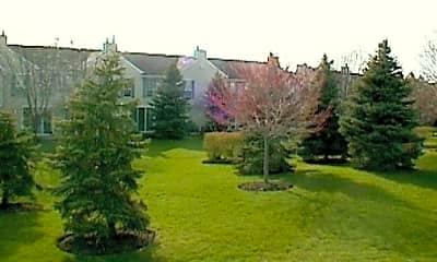Property Grounds, 1132 Regency Drive, 2