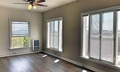 Living Room, 1716 N Edgemont St, 1