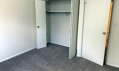 Bedroom, 825 26th St, 2
