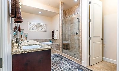 Bathroom, 707 N Hayden Island Dr, 2