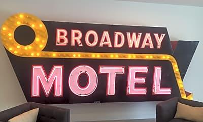 1616 S Broadway, 1