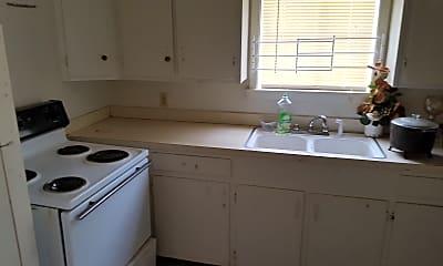 Kitchen, 370 Lea Cir, 1