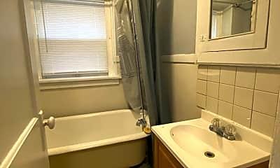 Bathroom, 640 S 12th St, 2