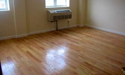 Living Room, 91-12 175th St 4B, 1