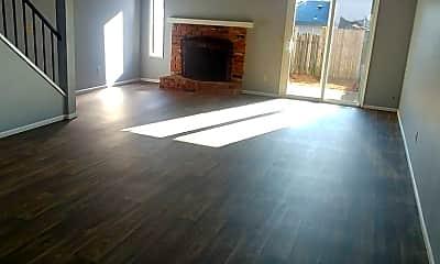 Living Room, 323 S 40th Pl, 0