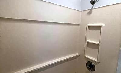 Bathroom, 101 Renwick St, 2