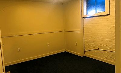 Bedroom, 824 E Blackford Ave, 2