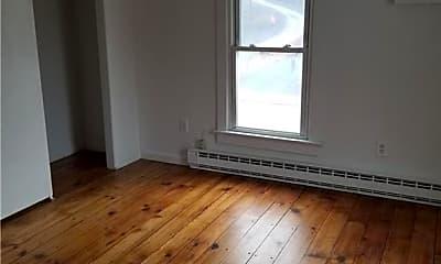 Living Room, 8 N Front St 2, 2
