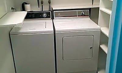Kitchen, 1240 Park Ave W 313, 2