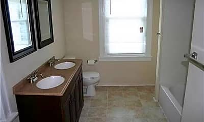Bathroom, 3417 Delaware Ave, 2