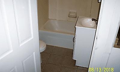Bathroom, 6 Elmwood Ave, 2