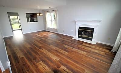 Living Room, 10402 Bay Pointe Cir, 1